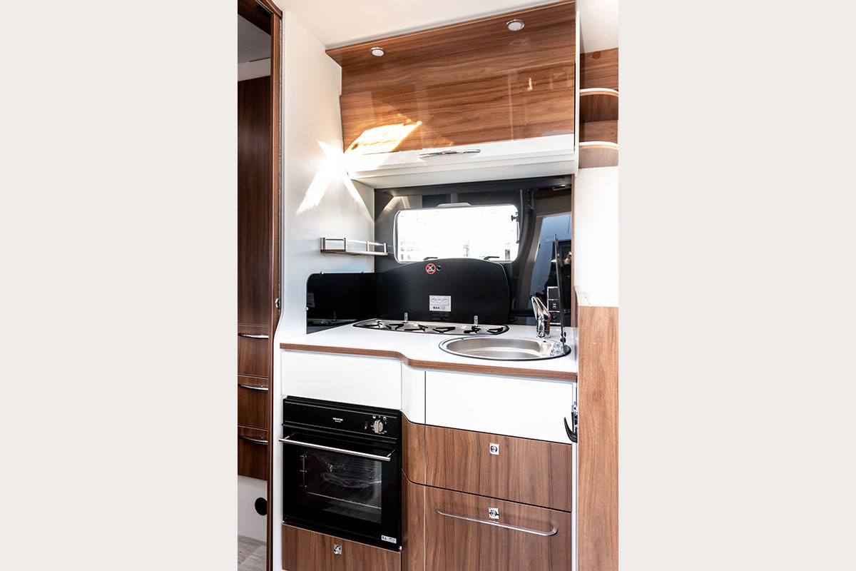 Cleverly equipped kitchen in Campervan